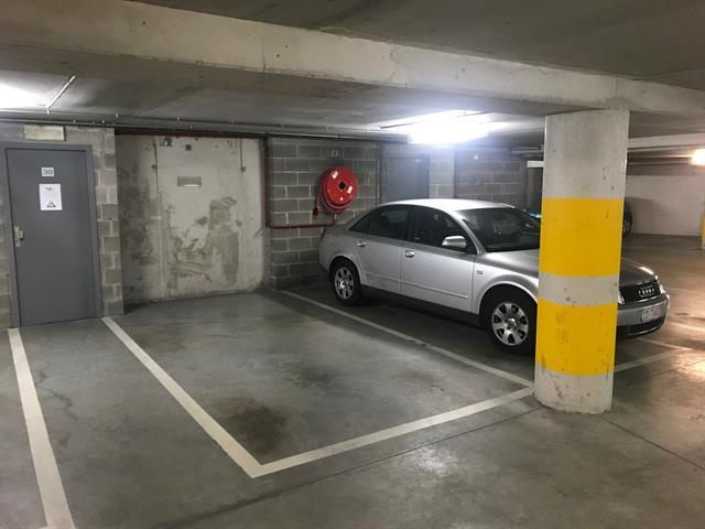 Inside parking - Bruxelles - #3864206-0