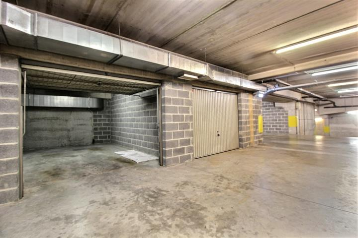 Closed garage - Etterbeek - #3871532-2