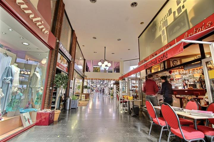 Centre commercial - Woluwe-Saint-Lambert - #3875240-7